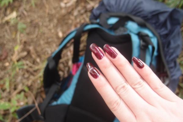 Broke my nail. Huhu!