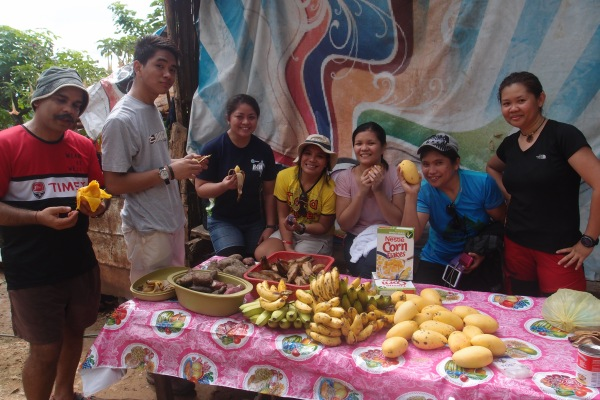 Yummy foods waiting for us when we arrived. Wew! The mango was so sweet.