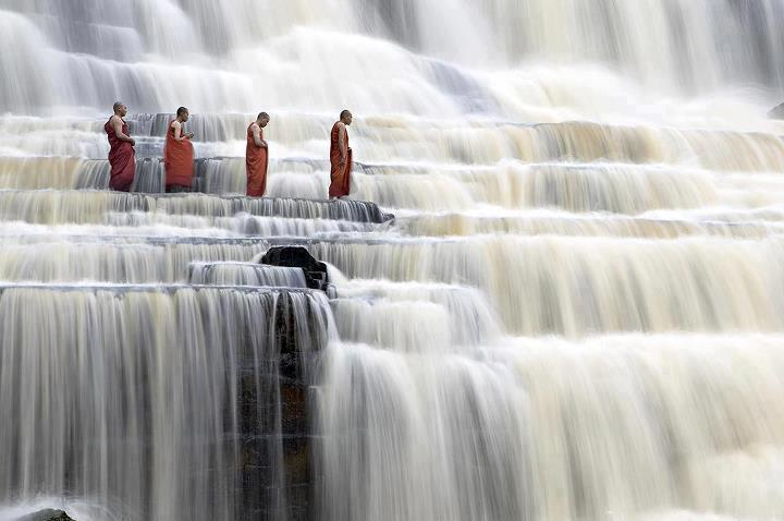 Wanna feel the water of Pongua Waterfall in Vietnam! Pic from http://www.worldvisitingplaces.com/
