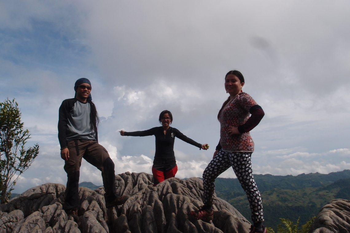 Happy kids on top of Mauyog!